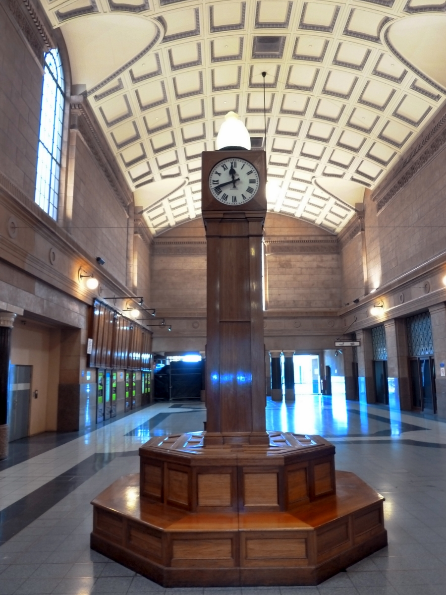 clock-adelaide-railway-station