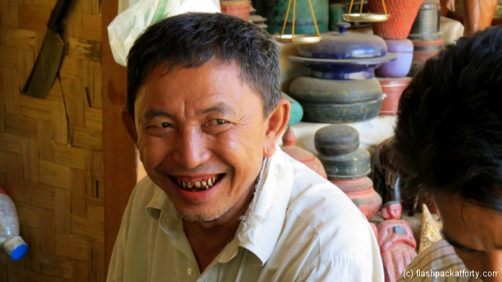 betel-nut-smile-bagan