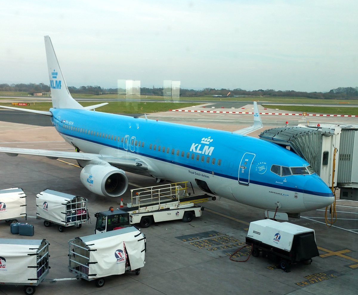 klm plane manchester airport.JPG