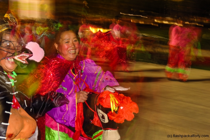 chinese-performers-beijing-olympic-park
