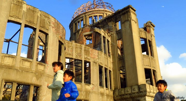 Children and Hiroshima Peace Memorial