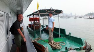dscf13small boat big boat halong bay85