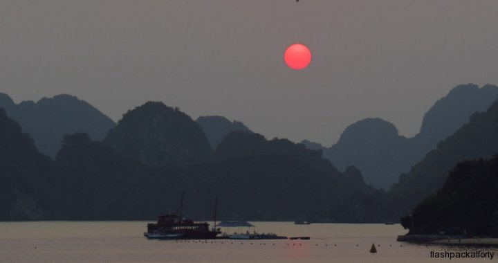sunset halong bay boat