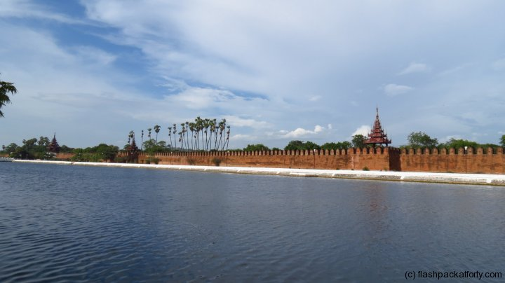 mandalay-palace-moat