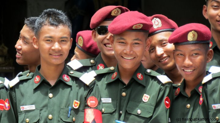 myanmar-army-team-at-bagan-temple