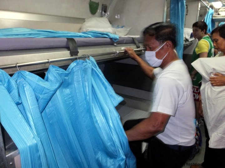 bangkok-butterworth-sleeper-train-bed-making