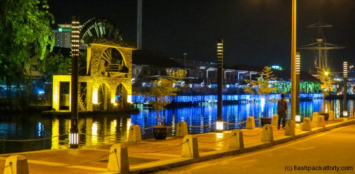 waterwheel-by-night-malacca
