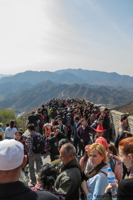 crowds-great-wall-of-china-badaling