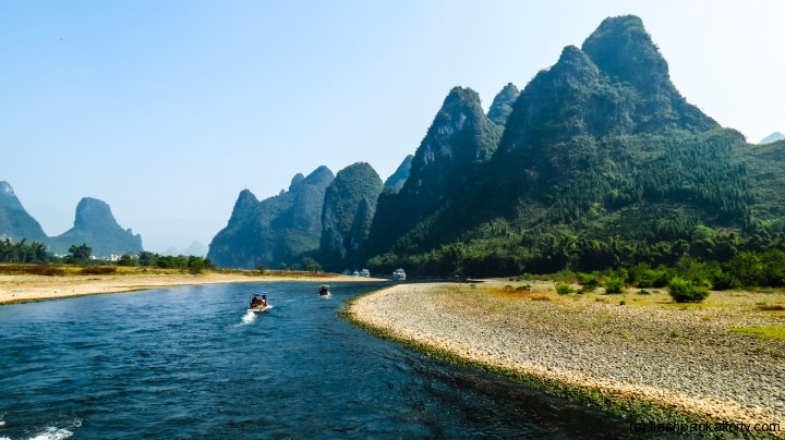 curved-river-guilin-china