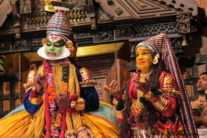 two-kathakali-performance-fort-cochin