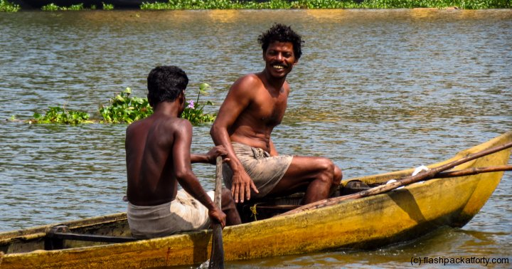 kerala-backwaters-happy-locals