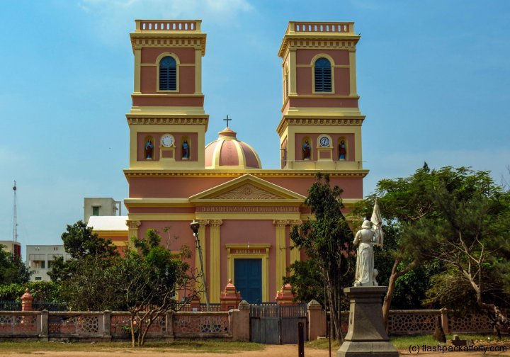 eglilse-de-notre-dame-pondicherry-kerala