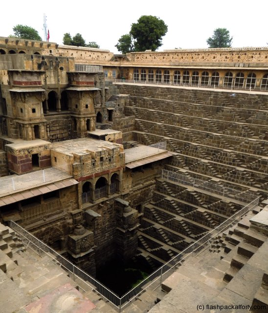 chand-baori-abhaneri-step-well-overview