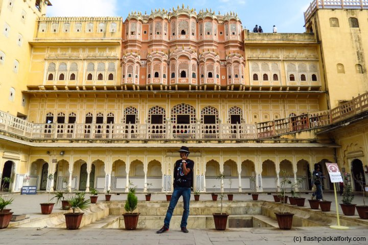 hawa-mahal-internal-building-and-poser