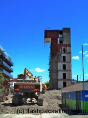 christchurch-crane-and-demolished-building