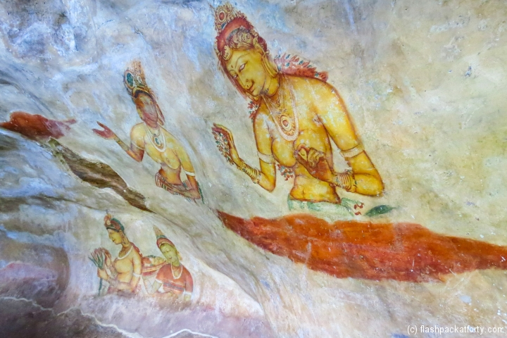 sigiriya-wall-paintings