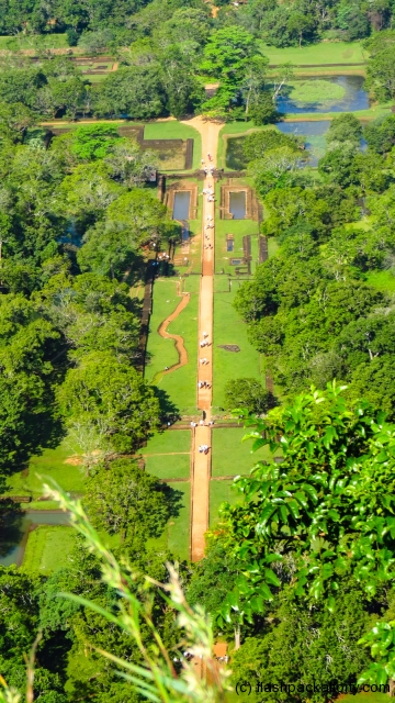 sigiriya-pathway-from-summit