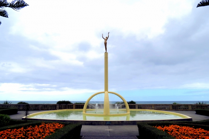 Napier Deco Fountain Seafront