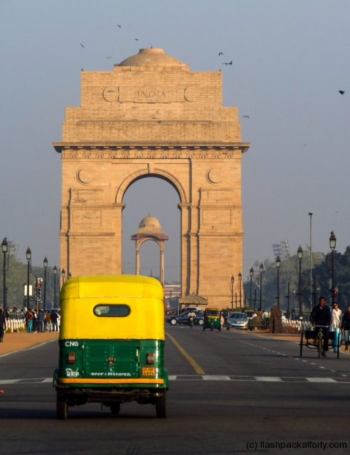 rickshaw-and-india-gate