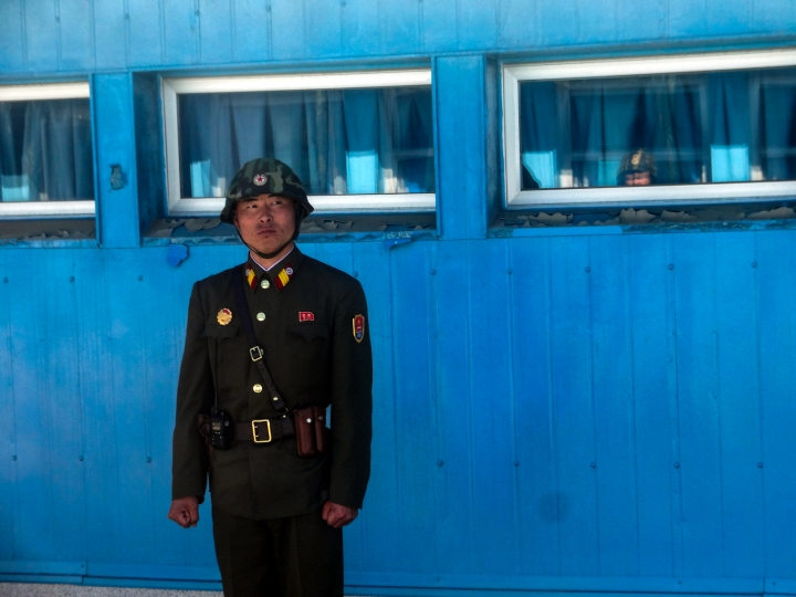 north-korean-guard-dmz