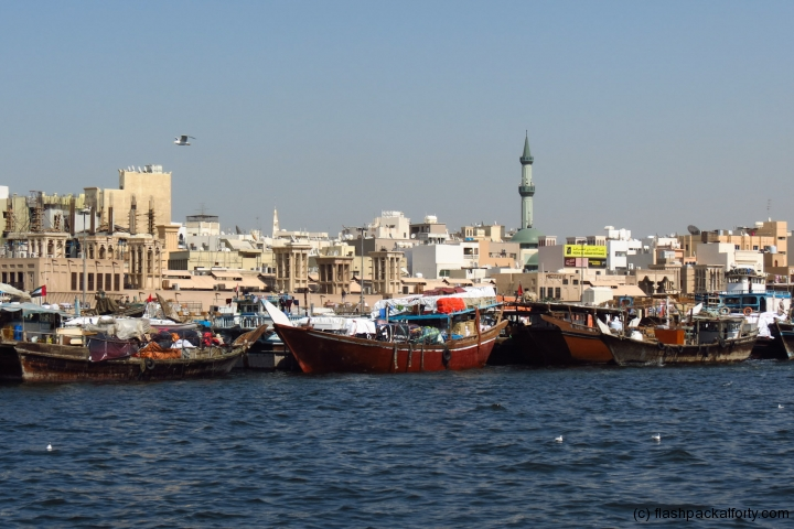 dubai-creek-cargo-boats
