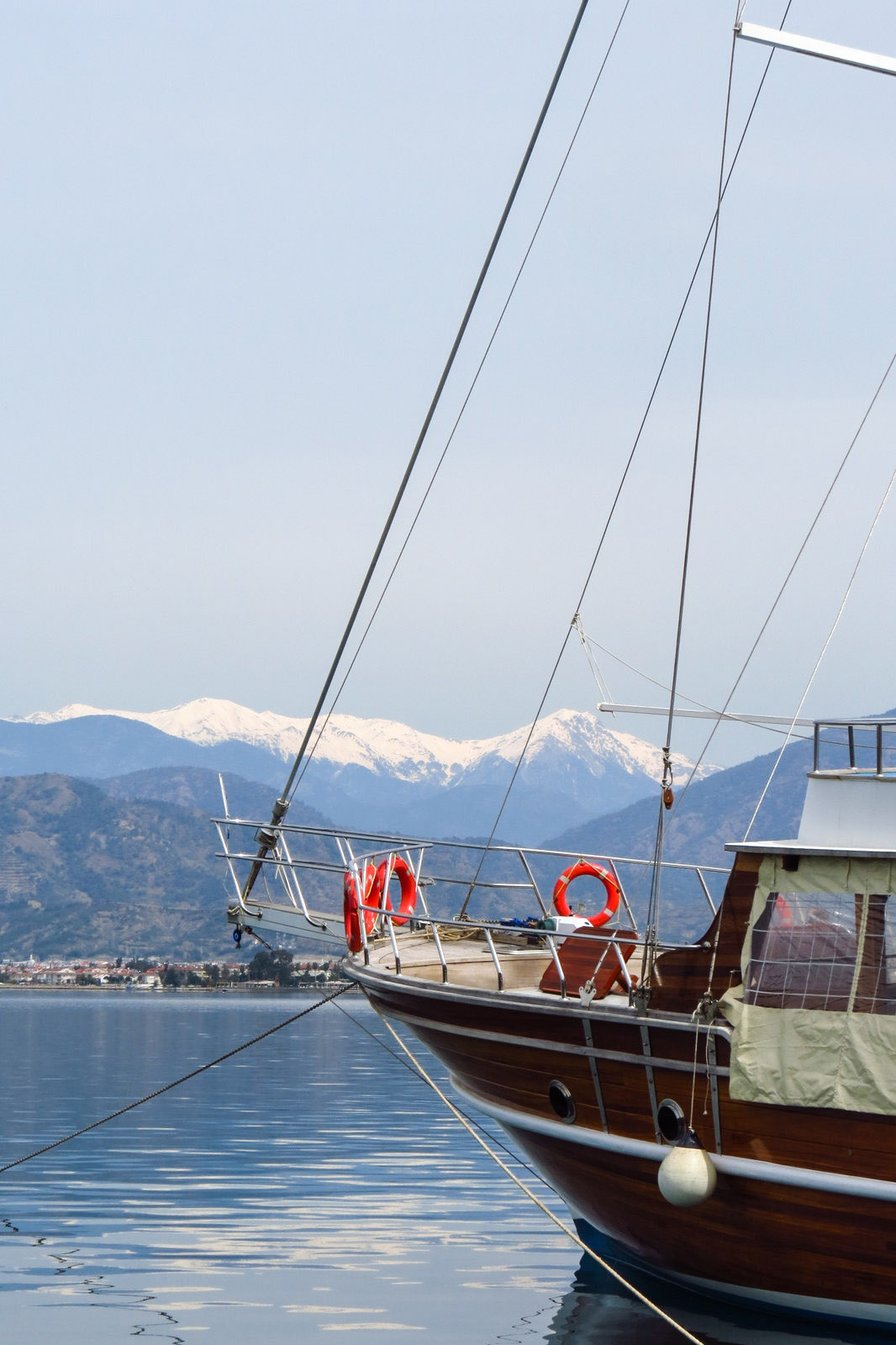 fethiye-marina-and-snow-mountains