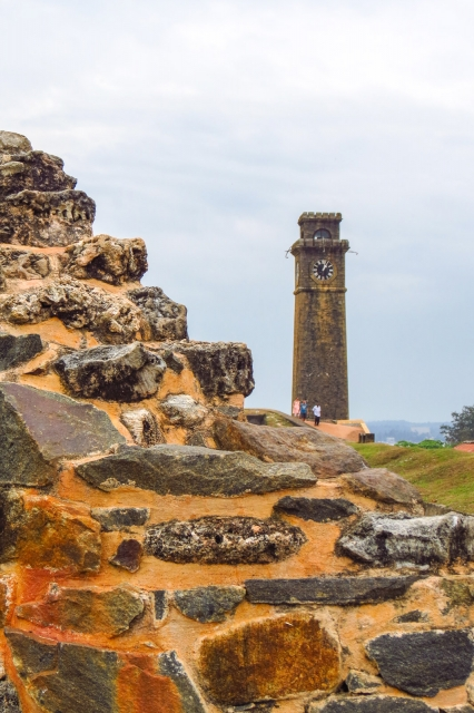 galle-clock-tower-and-fort-wall