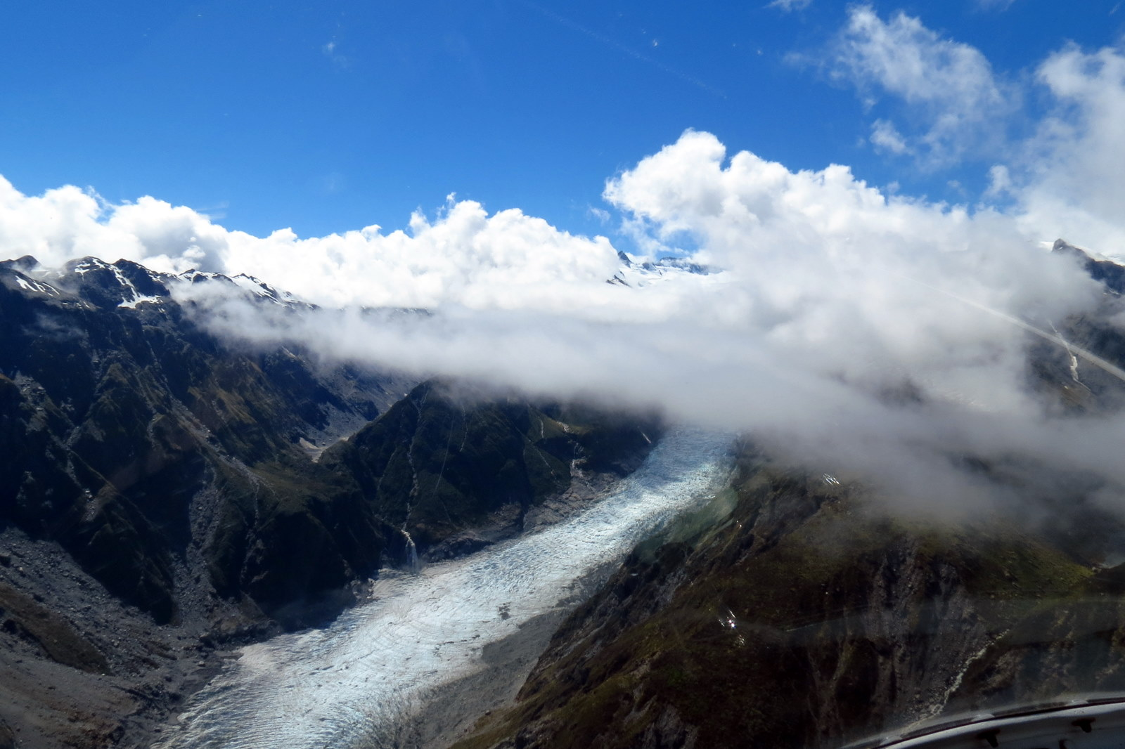 fox-glacier-helicopter-view