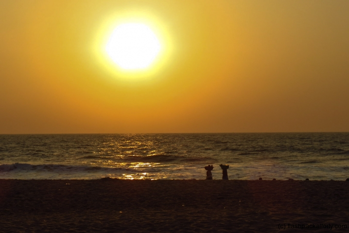 goa-sunset-with-sellers-in-distance