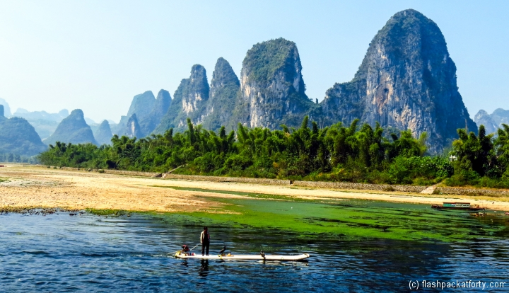 boats-and-rocks-guilin-river-li