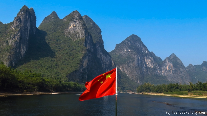 china-flag-and-rock-guilin-river-li
