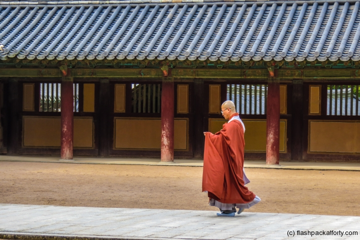 monk-at-bulguksa-temple