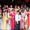traditional-dress-hanoi-temple-of-literature