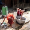 monks-cleaning-maing-thauk-monastery