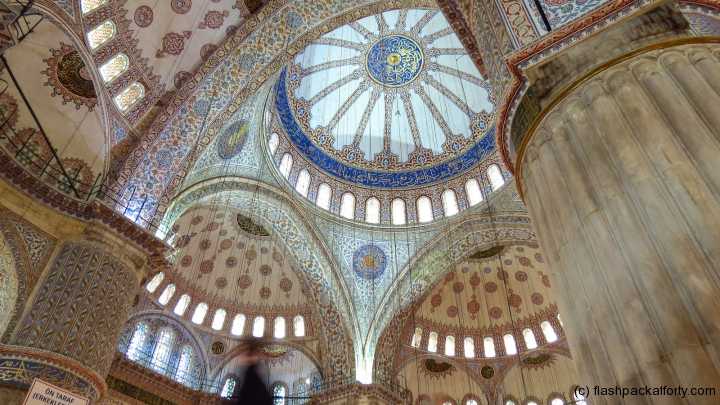 blue-mosque-ceilinf-roof-istanbul