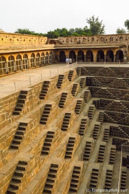 chand-baori-abhaneri-step-well-shadows
