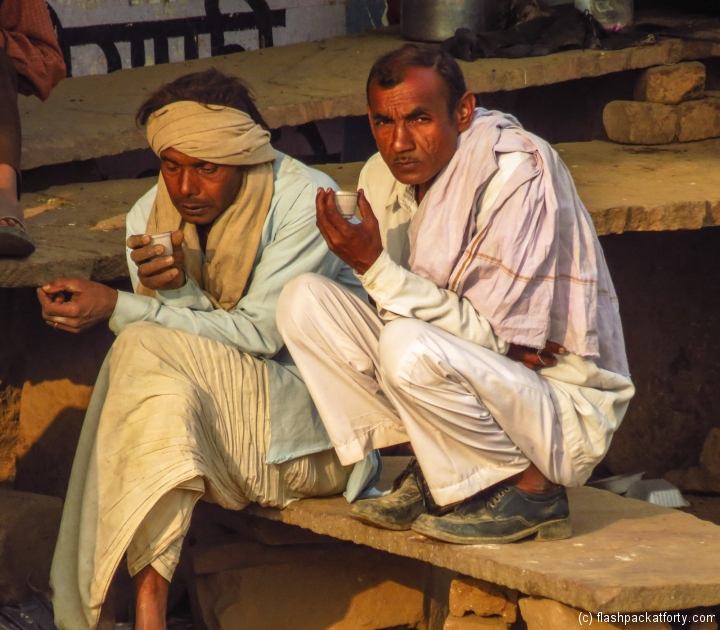 villagers-in-abhaneri-rajasthan
