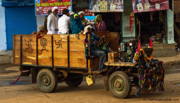 jugar-van-loaded-with-men-rajasthan