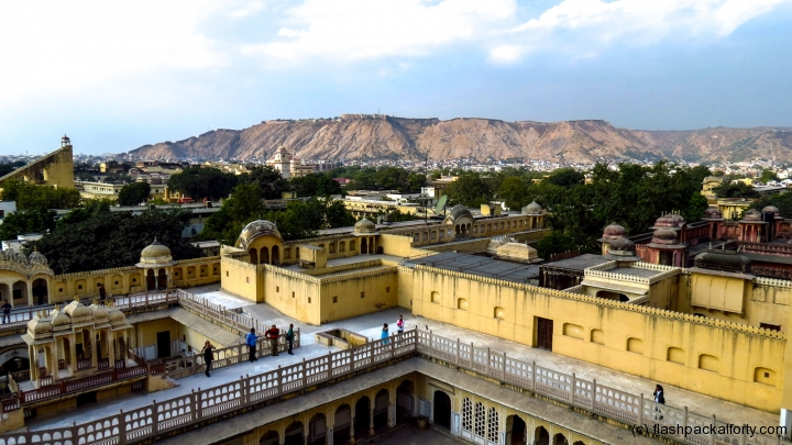 view-of-mountains-from-hawa-mahal