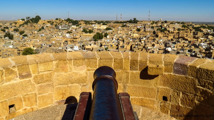 jaisalmer-fort-cannon-and-view