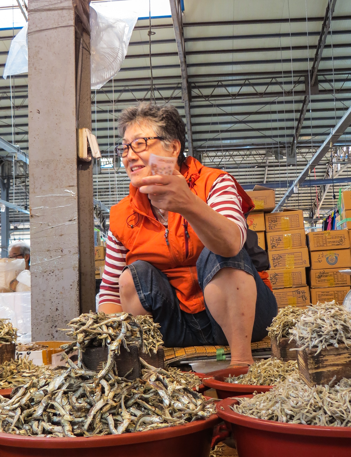 five-day-market-trader-with-fish