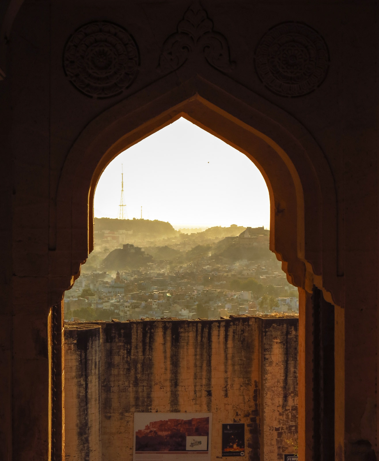 fort-gate-jodphur-and-hills