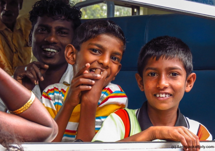 kids-on-train-sri-lanka
