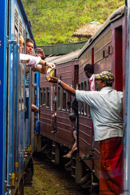 train-to-train-hawkers-sri-lanka
