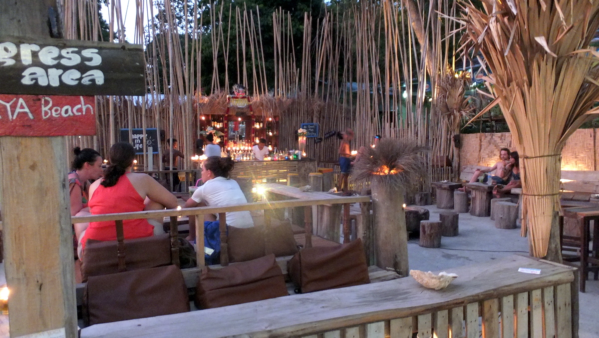 cocktail bar ko lipe.JPG