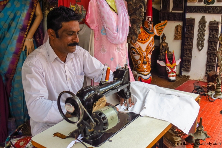 fabrix-parcel-bag-being-made-fort-kochi
