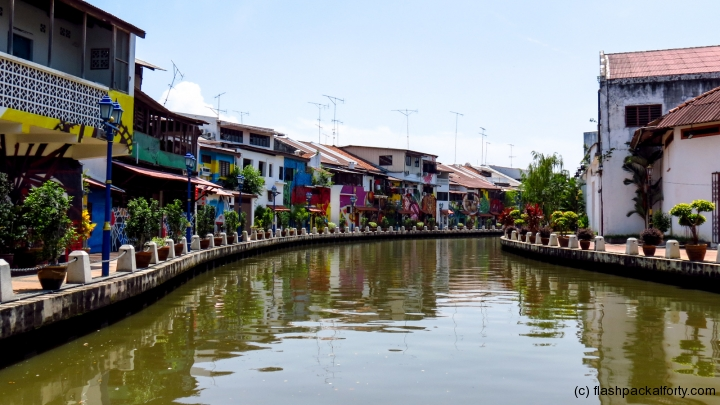 river-view-malacca-painted-houses