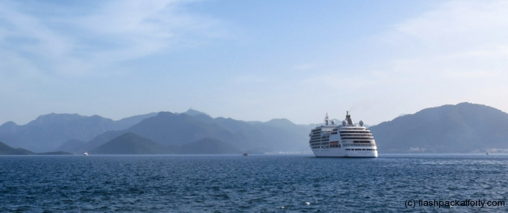cruise-liner-in-marmaris-bay