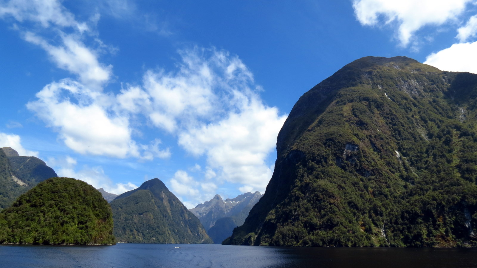 doubtful-sound-view-3