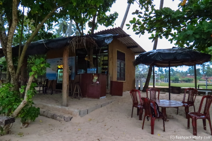 government-cheap-beer-shop-mirissa-beach
